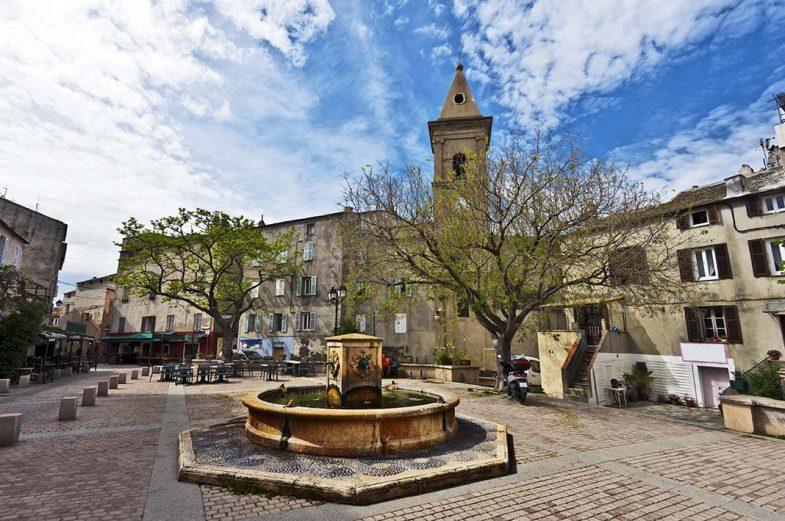 Où dormir en Corse: L'ancienne cité génoise de Saint Florent