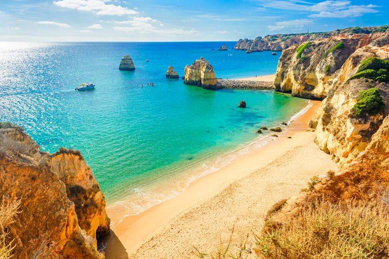 Lagos est une ville très touristique où dormir à Algarve