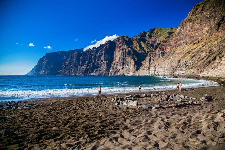 Los Gigantes est une belle région choisie pour séjourner à Tenerife principalement par des couples matures