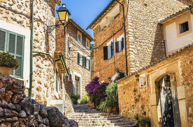 Fornalutx: un des villages intérieurs les plus recommandés comme option d'hébergement à Majorque.
