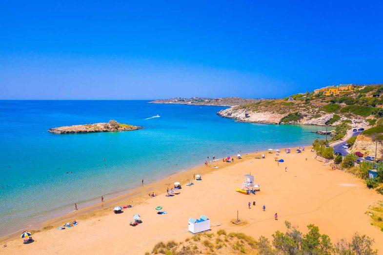 Kalathos, criques et aux baies préservées du regard des touristes