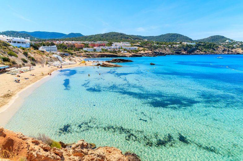 Cala Tarida, plage tranquille, bien entretenue, et très familiale