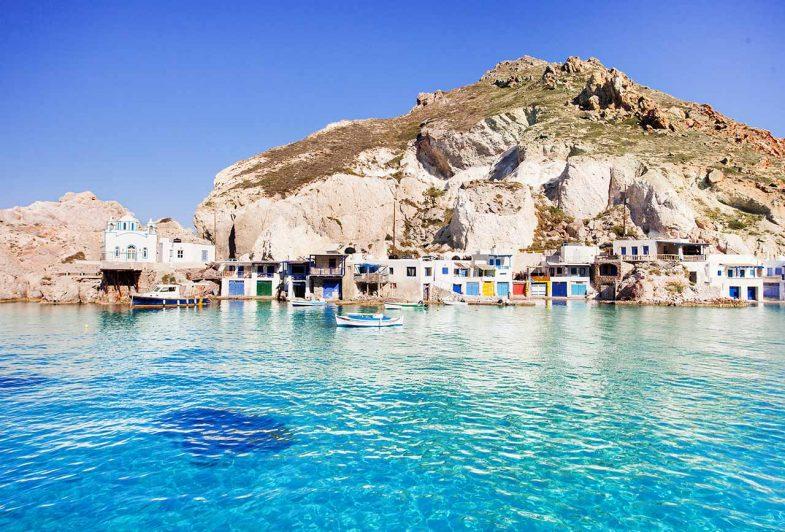 Firopotamos, petit village de pêcheurs avec maisons colorées